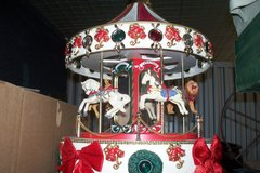 BEAUTIFUL CAROUSEL TOY MUSICAL in Fort Rucker, Alabama