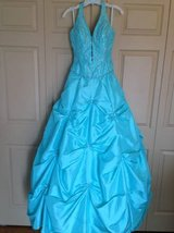 Gorgeous sz 9/10 turquoise & sequin prom dress in Westmont, Illinois