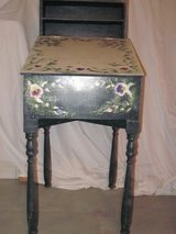 Decorative Desk in Algonquin, Illinois